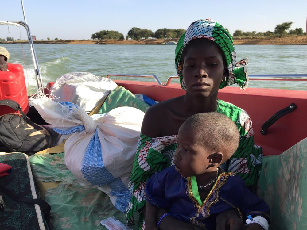 Personas atrapadas en el conflicto en Mali