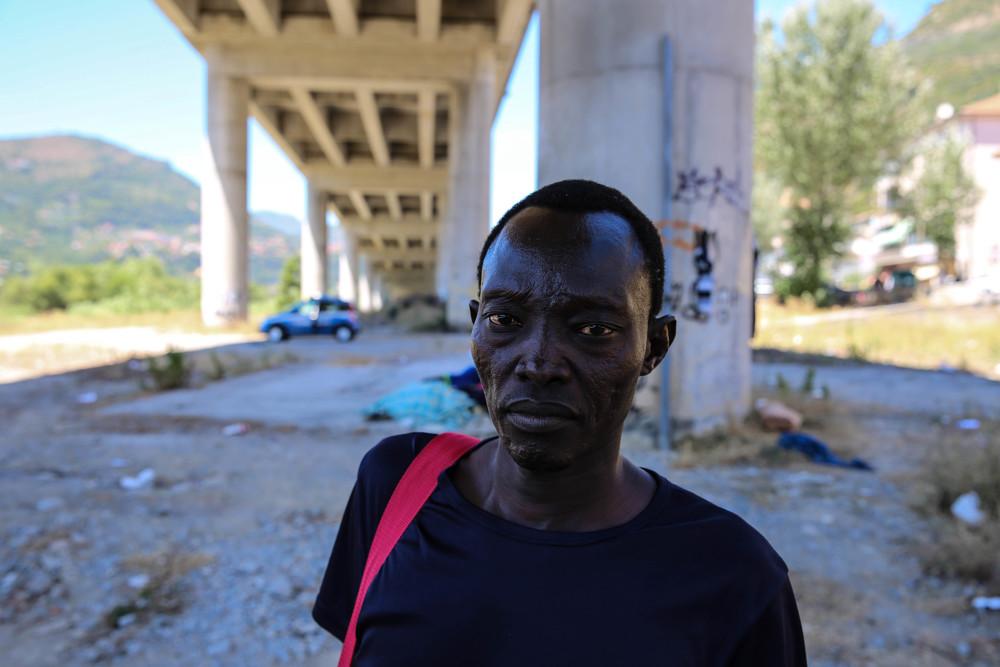Gebreel tiene 28 years y es de los Montes Nuba en Sudán. Fue secuestrado en Libia por un año y terminó viviendo debajo del puente de Ventimiglia, Italia. ©Mohammad Ghannam/MSF