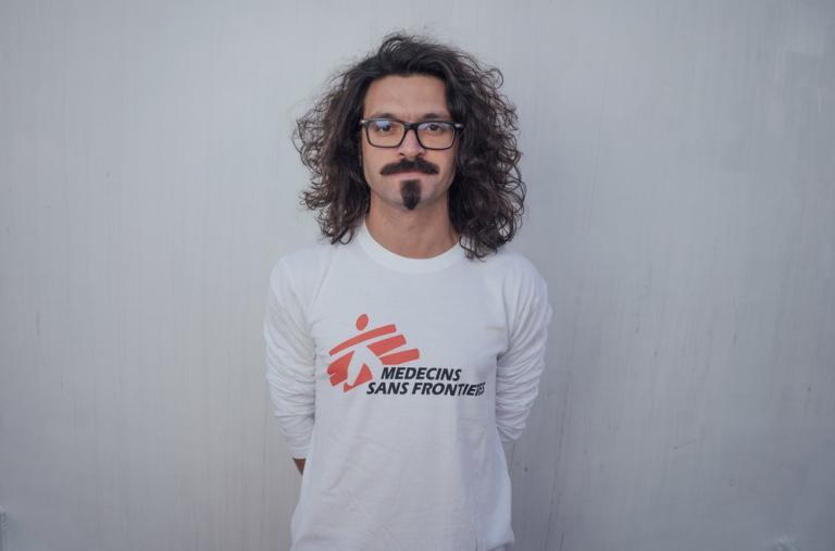 Erkinalp Kesikli, coordinador de proyecto, 32 años, Turquía. Erkinalp ha estado trabajando con ONGs durante de 10 años.