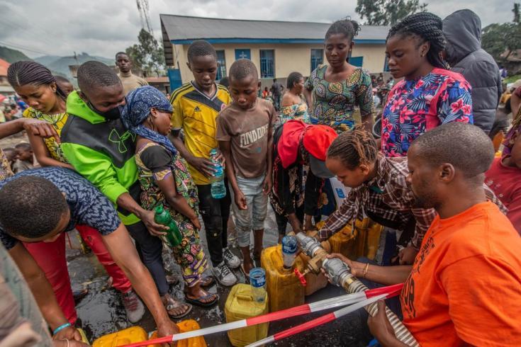 Distribuimos agua potable a las personas desplazadas, ante el riesgo de que aumenten los casos de cólera. República Democrática del Congo, mayo de 2021