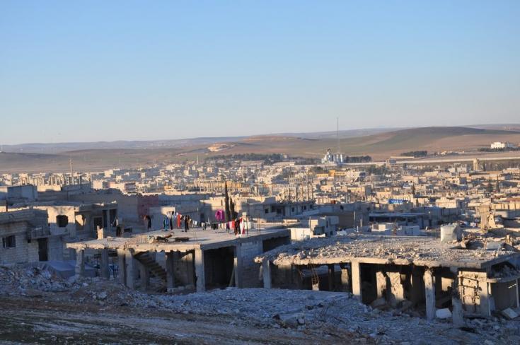 2015: gran crisis de desplazamiento. En febrero de 2015, después de que el ISIS se fuera de Kobane, cientos de personas regresaron allí con pocos o ningún servicio de atención médica en el área.