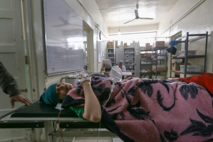 2012: en agosto, instalamos un hospital en una antigua escuela en Azaz, a 30 km al norte de Alepo, para brindar atención médica a las personas que huyen de las líneas del frente hacia la zona de Alepo.