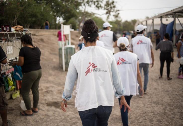 Con la pandemia de COVID-19, la situación de las personas migrantes y solicitantes de asilo se volvió aún más vulnerable, por lo que MSF reforzamos nuestras actividades de promoción de la salud en los campamentos.