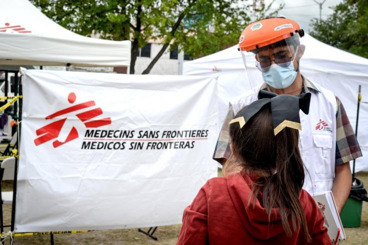 """Brindamos atención médica y psicosocial a las personas migrantes varadas en la """"Plaza de la República"""" en Reynosa, Tamaulipas, México. Abril de 2021"""