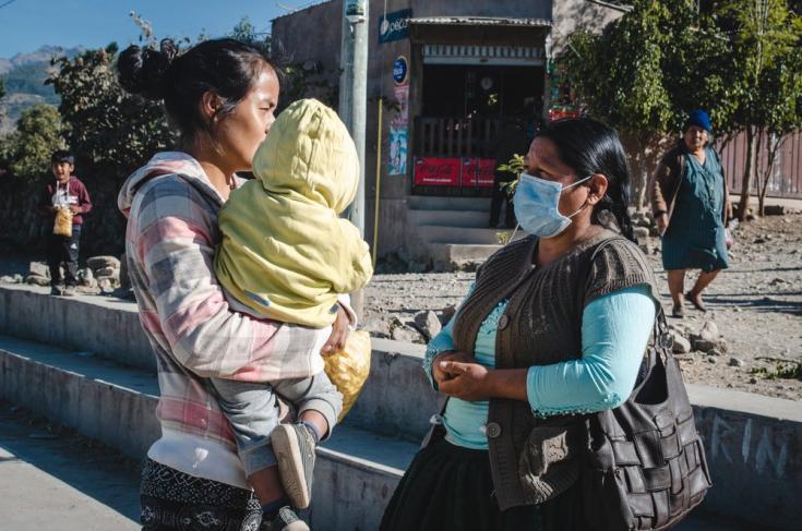 """Desde hace un año, Lidia Cruz de la Comunidad Villa Belén se volvió Líder de salud comunitaria y ayuda a difundir información correcta acerca del COVID-19. """"La información nos puede curar y nos puede salvar la vida"""", dice. Bolivia, agosto de 2021"""