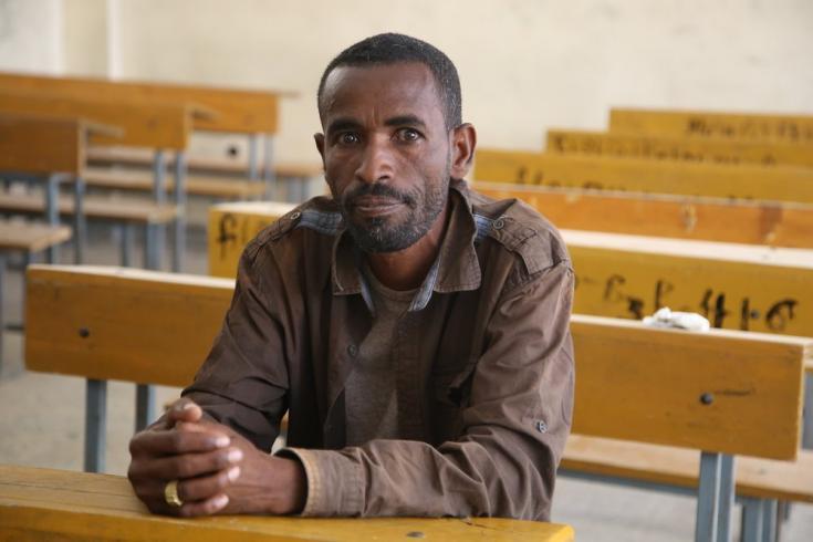 Ken Alew Gebrekristos es un soldador de metales de 38 años que junto a su esposa y sus cuatro hijos ha tenido que desplazarse de Edaga Arbi hacia la ciudad de Adwa. Marzo de 2021.