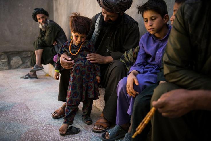 Personas en un campo de desplazados internos en Herat, al cual llegaron huyendo de los combates y la sequía, y a quienes atendemos desde un hospital regional que cubre las provincias de Herat, Farah, Badghis y Ghor. Afganistán, agosto de 2019
