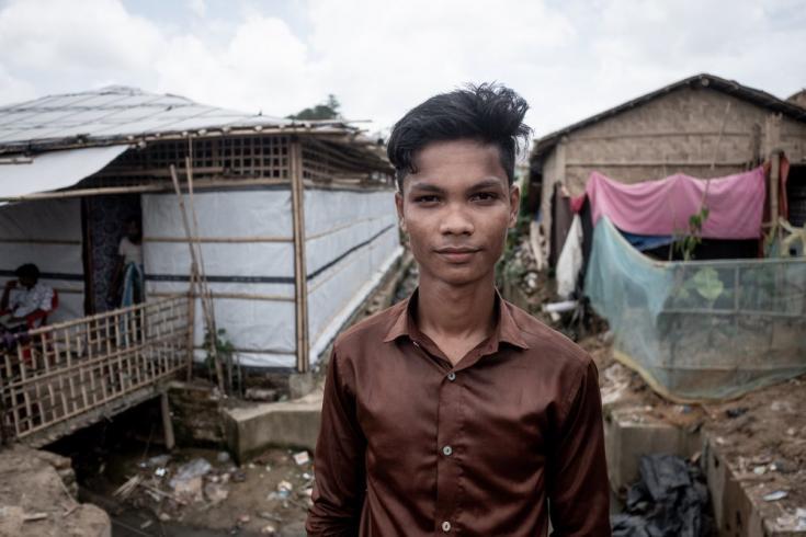 Akhtar Hossen tiene 18 años. Vive en un campo de refugiados para rohingyas en el área de Balukhali, en Cox's Bazar. Bangladesh, junio de 2021