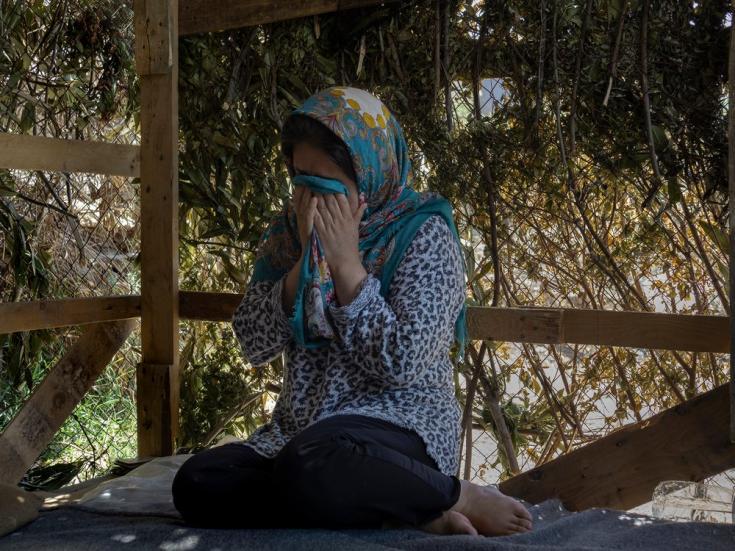 En el momento de la foto, Omolbanin, de 29 años, llevaba viviendo 11 meses en el campo de Moria, lo cual la llevó a desarrollar un trastorno depresivo. Isla de Lesbos, Grecia, julio de 2020