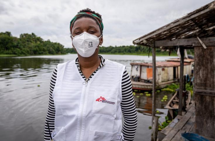 """""""La propagación del virus de COVID-19 en estas condiciones sería catastrófica"""" dijo Ana Claudia Barreto, nuestra coordinadora de actividades de enfermeríaen el proyecto de Portel. Brasil, julio de 2021"""