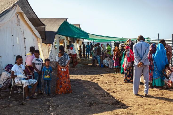 El campo de refugiados de Al-Tanidaba alberga a miles de personas refugiadas etíopes en Sudán. Allí gestionamos una clínica que provee atención médica gratuita para quienes viven allí y para la población local. Sudán, enero de 2021