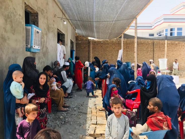 El 6 de julio, instalamos una clínica temporal para personas desplazadas por los intensos combates en los alrededores de la ciudad de Kunduz. Allí, atendimos más de 3.400 consultas durante los primeros 12 días. Afganistán, julio de 2021