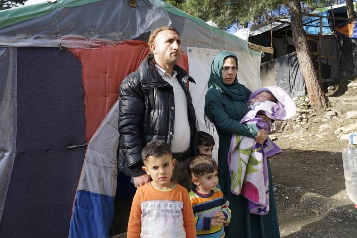 Mohammed y Sharide vivían en Damasco, Siria, pero tuvieron que huir por la guerra. Hace un año que llegaron a la isla griega de Samos junto a sus tres hijos.  Grecia, enero de 2021