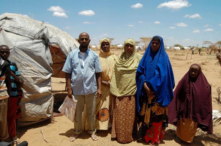 Sara Abdel Rahman y su familia son refugiados recién llegados de Somalia que viven en un refugio improvisado cerca del campamento de refugiados de Dagahaley, en Dadaab, Kenia.
