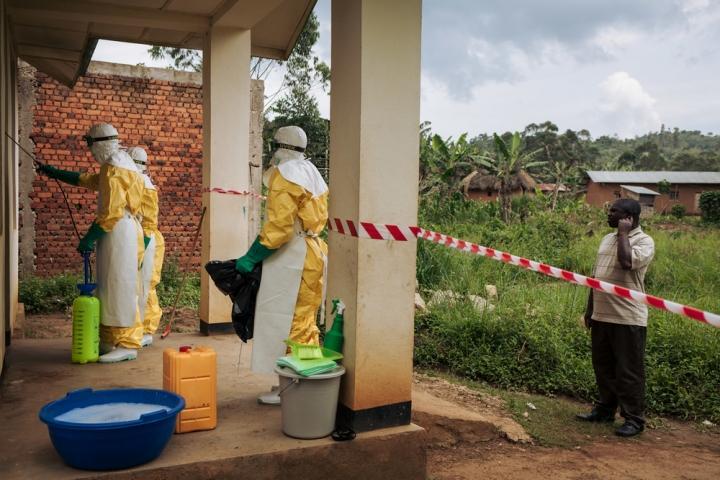 Trabajadores sanitarios en Kalunguta, provincia de Kivu Norte, República Democrática del Congo, noviembre de 2018.