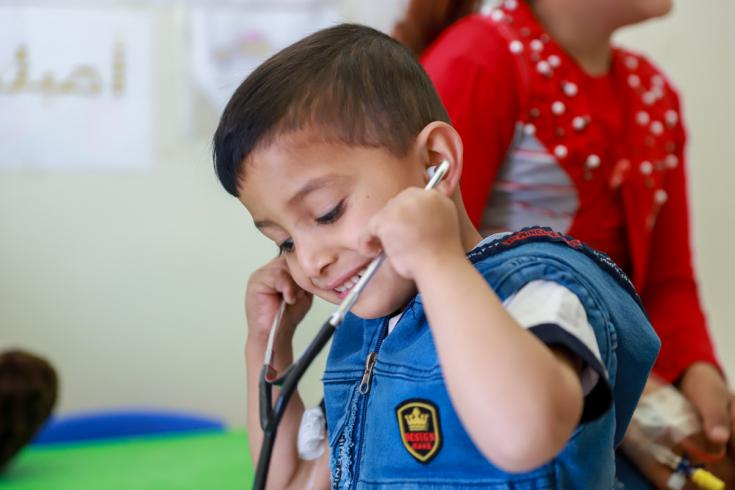 Abbas tiene 4 años y juega en la zona infantil del hospital de Zahle, Líbano, donde recibe su tratamiento para la talasemia.