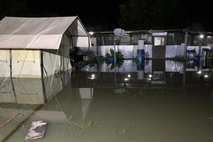 El centro de Médicos Sin Fronteras en Pibor, afectado por las inundaciones.