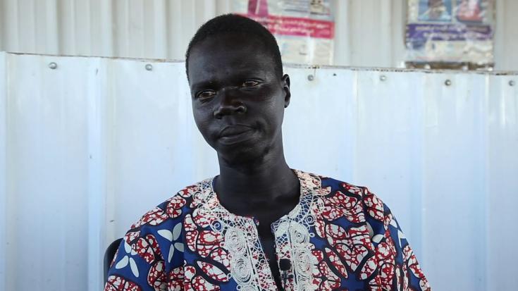 John Jimis, de 28 años, es de Malakal, una ciudad de Sudán del Sur. Llegó a Sudán como refugiado en 2017 para reunirse con su familia, que también había huido de la guerra. Según el ACNUR, hay aproximadamente 250.000 refugiados sudaneses del sur