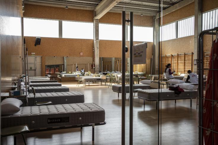 Son 82 las camas que posee el hospital instalado por Médicos Sin Fronteras para tratar enfermos de coronavirus en Alcalá de Henares, Madrid.