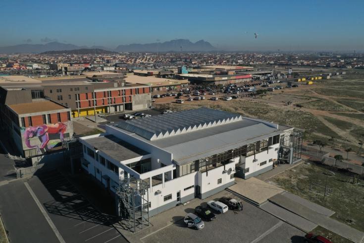 Vista aérea del hospital de campo que instalamos en Khayelitsha, Ciudad del Cabo, para responder al COVID-19 en Sudáfrica.