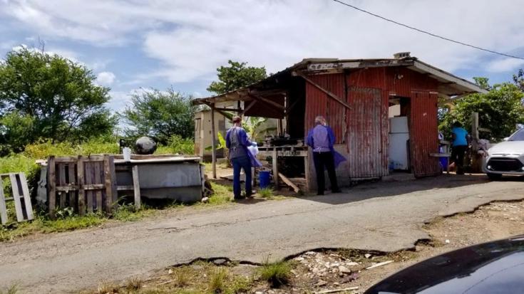 En Puerto Rico, un equipo médico móvil de Médicos Sin Fronteras viaja a lugares remotos en toda la isla brindando atención domiciliaria y consultas en clínicas móviles a personas vulnerables de la comunidad.