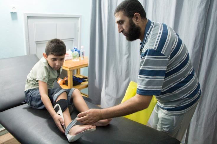 Niño herido por una bala en la franja de Gaza