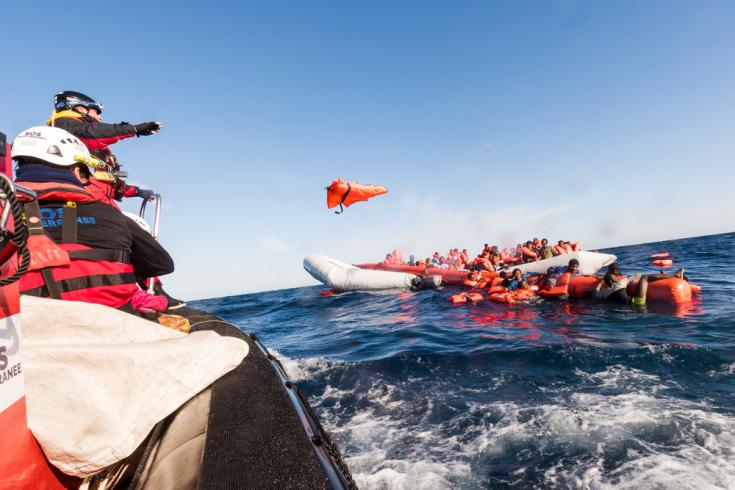 Rescate de refugiados en el mar mediterráneo