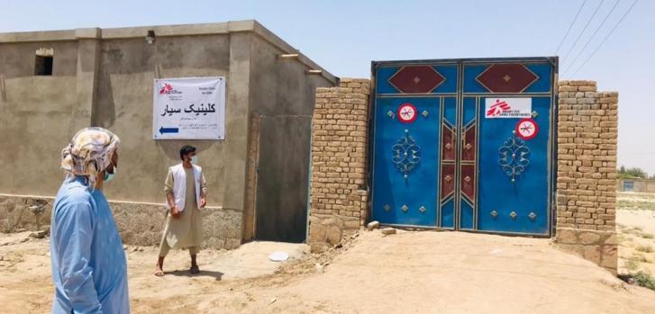 El 6 de julio, establecimos una clínica temporaria en Kunduz para atender a las personas desplazadas por la violencia. Afganistán, julio de 2021