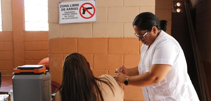 Atención médica y salud mental en El Salvador