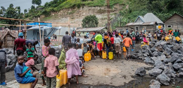 Distribuimos agua a las personas desplazadas en Sake, Kivu del Norte. República Democrática del Congo, mayo de 2021