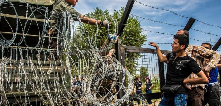 Croacia, campo de tránsito cerca de la frontera con Serbia, donde los refugiados esperan ser transferidos a Hungría. Septiembre 2015 Juan Carlos Tomasi/MSF