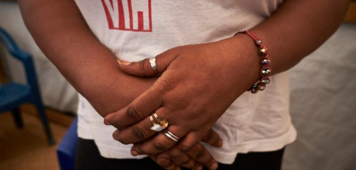 Aissata, activista de VIH en la clínica móvil de Médicos Sin Fronteras en Guinea