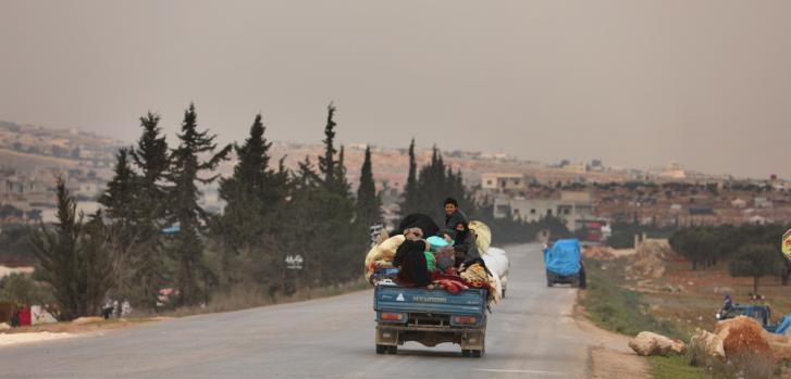 Al norte de Siria, miles de personas huyen de sus hogares por el conflicto armado. ©Omar Haj Kadour/MSF