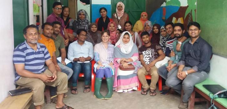 La experiencia de Alison Fogg en el tratamiento de personas rohingya dentro del campo de refugiados más grande del mundo, en Bangladesh.