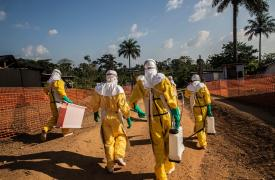 Actividades de Médicos sin Fronteras por ébola en Sierra Leona ©Anna Surinyach