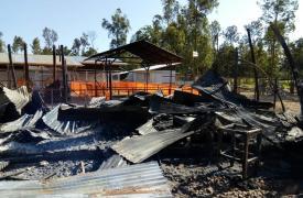 Centro de Tratamiento de Ébola de Médicos Sin Fronteras incendiado