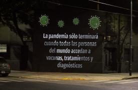 En Médicos Sin Fronteras decidimos llevar a las calles nuestro mensaje sobre la exención de los derechos de propiedad intelectual en herramientas médicas contra el COVID-19.
