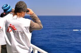 Logistas del barco Bourbon Argos de MSF en una operación de rescate en el Mediterráneo  Julie Remy/MSF