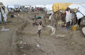 Sudán del Sur: en el campo de Bentiu baja el nivel del agua, pero la tensión continúa