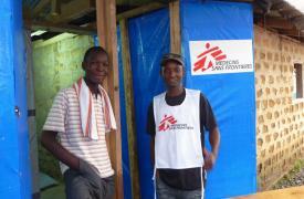 Kollie James es el superviviente número 1.000 tratado por MSF en nuestros centros de tratamiento en Guinea, Sierra Leona y Liberia, desde que en marzo la Organización intervino en el brote de Ébola en África occidental.