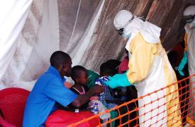 Foto en centro de tratamiento de Ébola