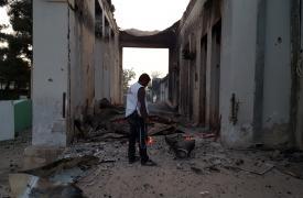 Personal de MSF en el hospital bombardeado el 3 de Octubre de 2015 en Kunduz, Afganistán. ©MSF