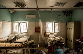 Destrucción en todos los sectores del hospital de Médicos Sin Fronteras en Kunduz