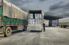 En enero y febrero Médicos Sin Fronteras pudo enviar 50 camiones con 550 toneladas de medicamentos, material médico y refugios a los centros médicos apoyados y campos de desplazados en la zona norte de Aleppo y campos aledaños. ©Juan Carlos Tomasi/MSF