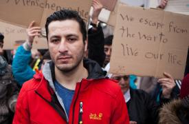 Iwath, refugiado proveniente de Irak, varado en Serbia, febrero 2016 ©Alex Yallop/MSF