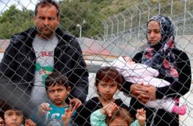 Una familia siria refugiada en la isla griega de Samos.