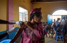 Vacunación de MSF contra la fiebre amarilla en Matadi, República Democrática del Congo.