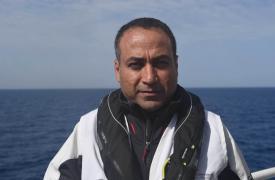 La semana pasada, cuando llegó la noticia de que se habían producido tres terribles naufragios en el Mediterráneo central, Ahmad Al Rousan (mediador cultural de Médicos Sin Fronteras) se encontraba a bordo del Bourbon Argos, uno de los barcos de búsqueda