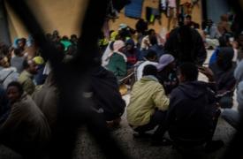 Centro de detención de migrantes en Libia