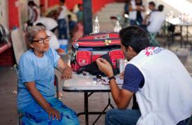 En el estado de Puebla, México, los equipos de MSF identificaron las principales afecciones médicas de la población, tanto problemas respiratorios como agravamientos de enfermedades crónicas, como hipertensión o diabetes, y síntomas psicosomáticos.